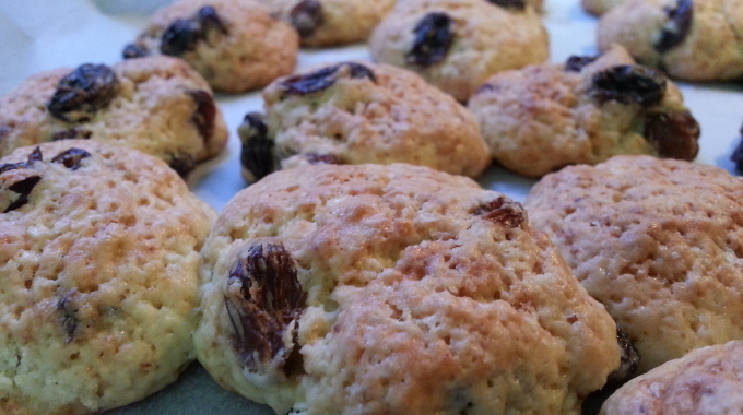 Italian Recipe: Raisin cookies!