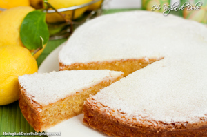 caprese cake with lemon www.learnitalianwithme.it